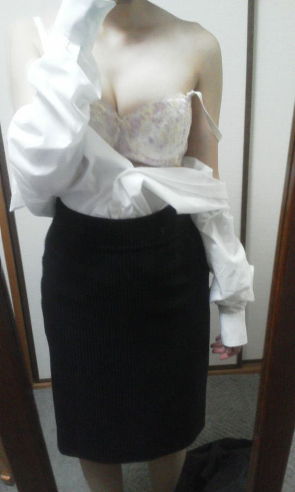 OL・就活生のスーツ姿の自撮り 2