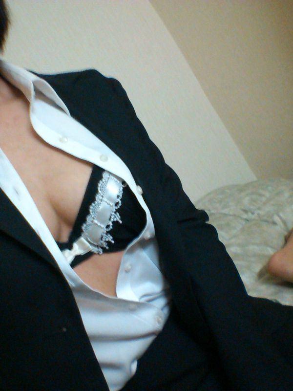 OL・就活生のスーツ姿の自撮り 18