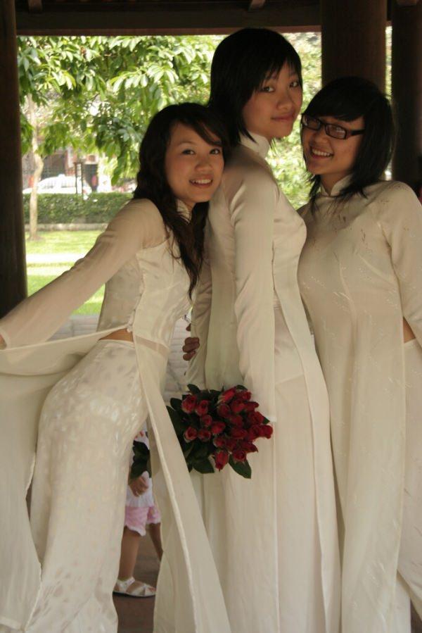 ベトナム人美少女の透けアオザイ 5