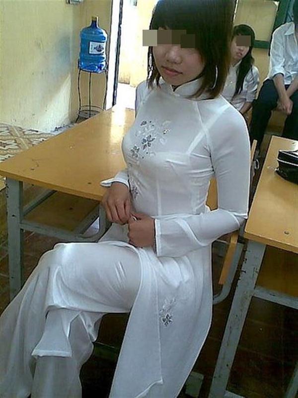 ベトナム人美少女の透けアオザイ 6