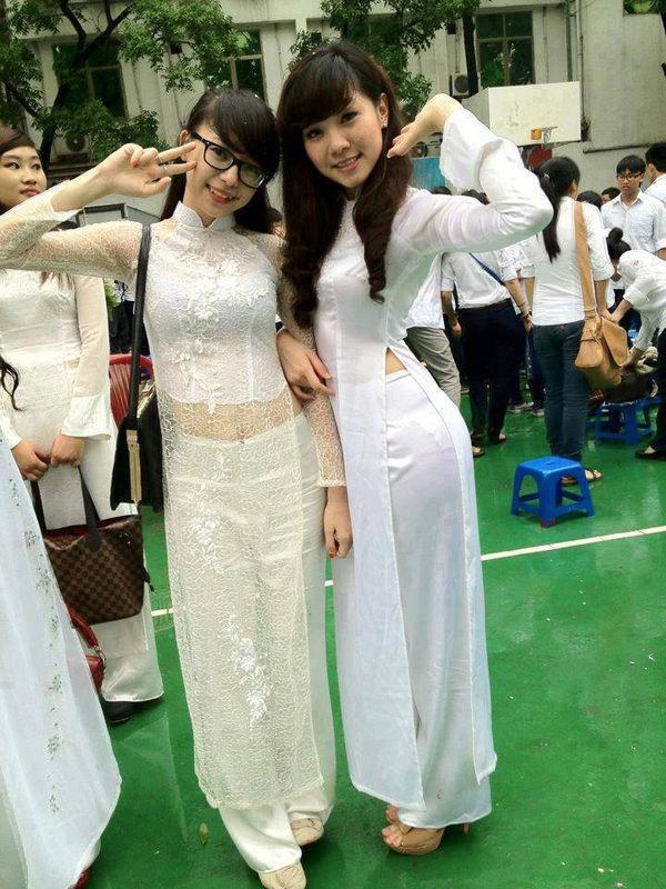 ベトナム人美少女の透けアオザイ 8