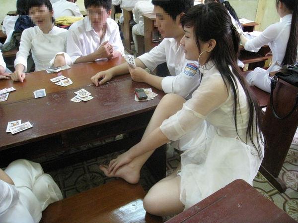 ベトナム人美少女の透けアオザイ 9