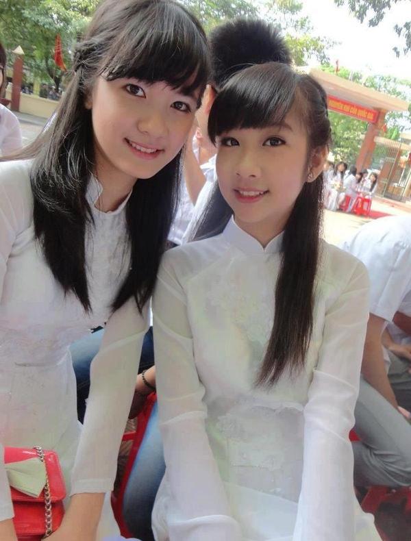 透けてるベトナムの民族衣装アオザイ 10
