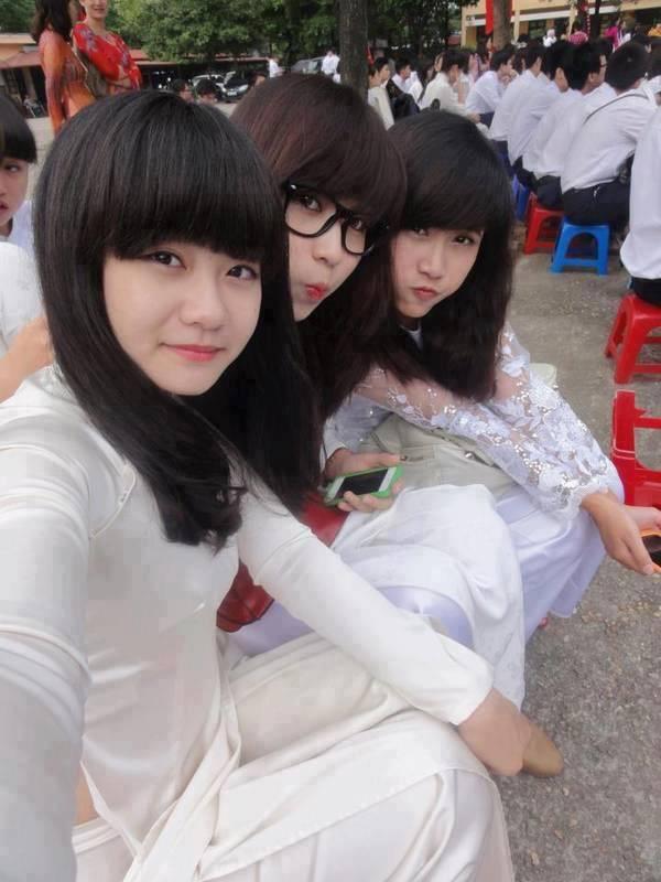 ベトナム人美少女の透けアオザイ 12