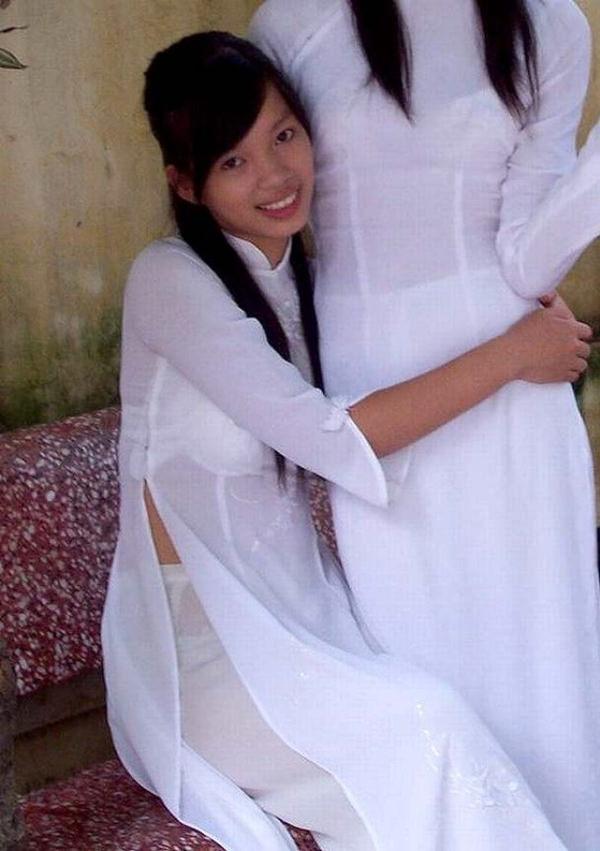 ベトナム人美少女の透けアオザイ 19