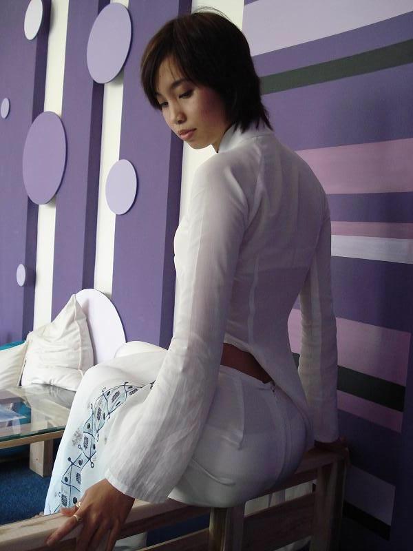 ベトナム人美少女の透けアオザイ 22