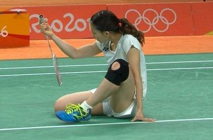リオ五輪バドミントンで金メダルの松友美佐紀をエロ目線で見るとこうなるwww(GIFあり)