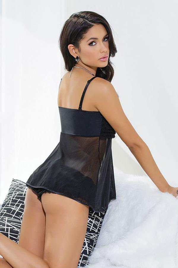 ベビードール姿の外国人セクシー美女 48