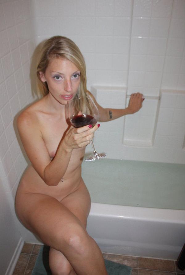 バスルームで撮った外国人素人ヌード 11