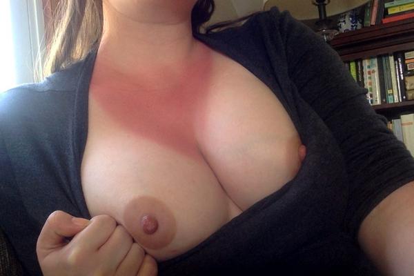 日焼け跡がクッキリの外国人素人 16
