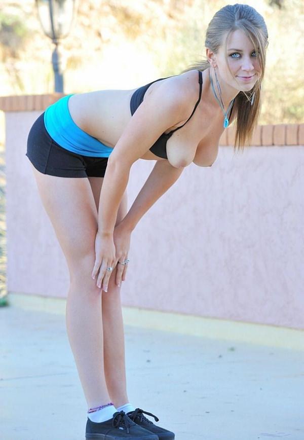 ジョギング中の外国人セクシー美女 10