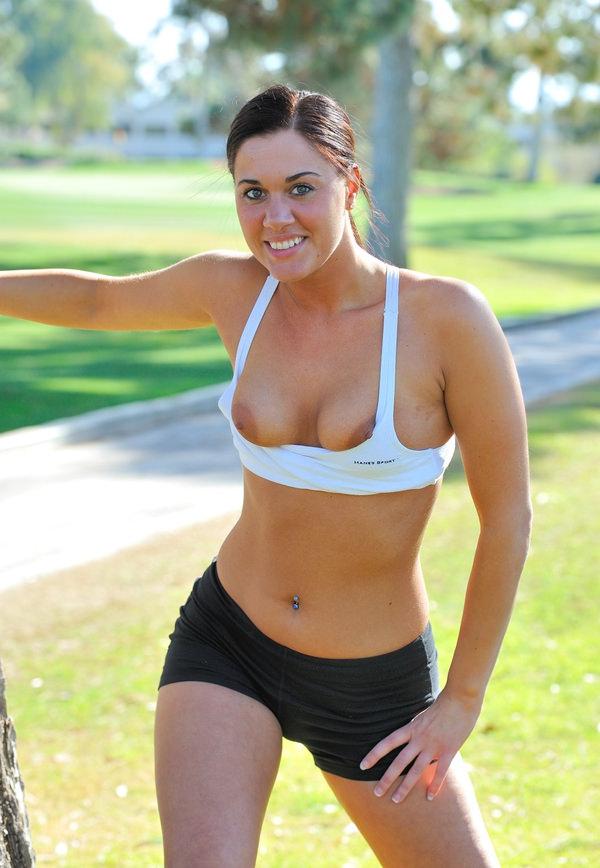 ジョギング中の外国人セクシー美女 35