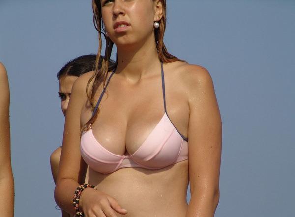 美乳の外国人素人の水着姿 2