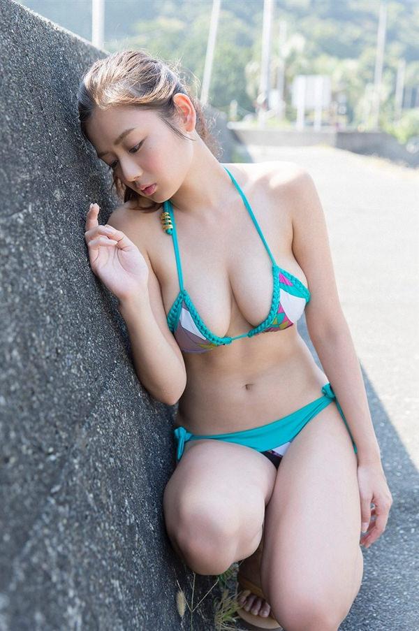 恵体グラドルの美巨乳 4