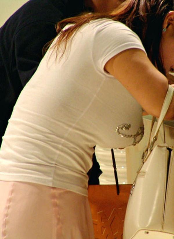 素人の白Tシャツの着衣巨乳 12