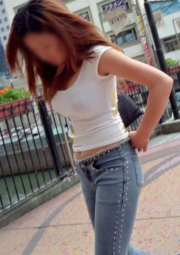 素人の白Tシャツの着衣巨乳 16