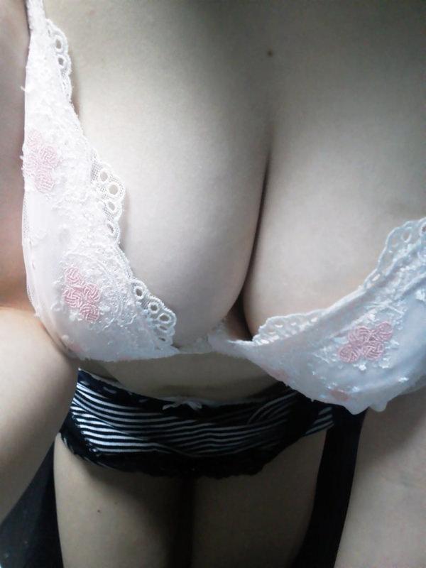 巨乳のブラ 2