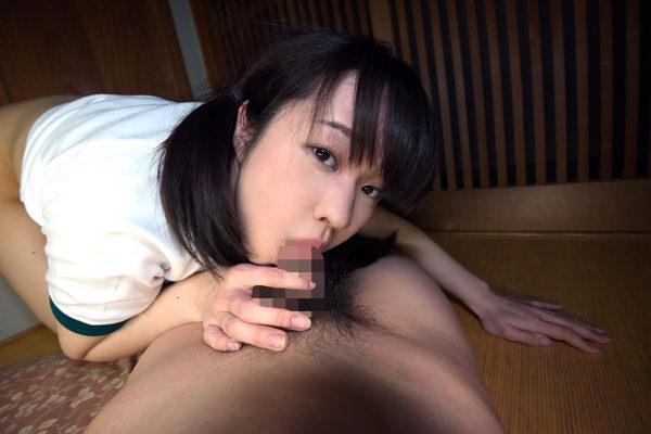 地味目な女の子のフェラ 8