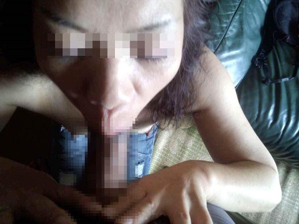 素人熟女のフェラ顔 15