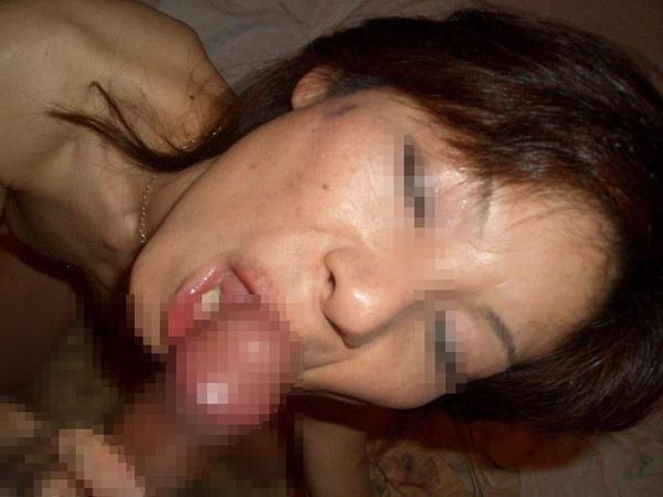 素人熟女のフェラ顔 21