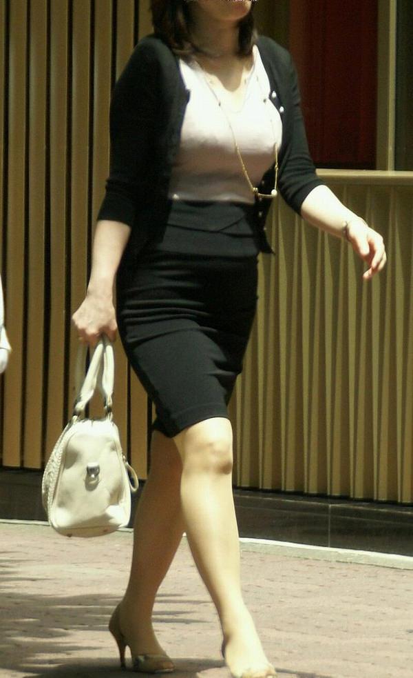 熟女の着衣巨乳 6