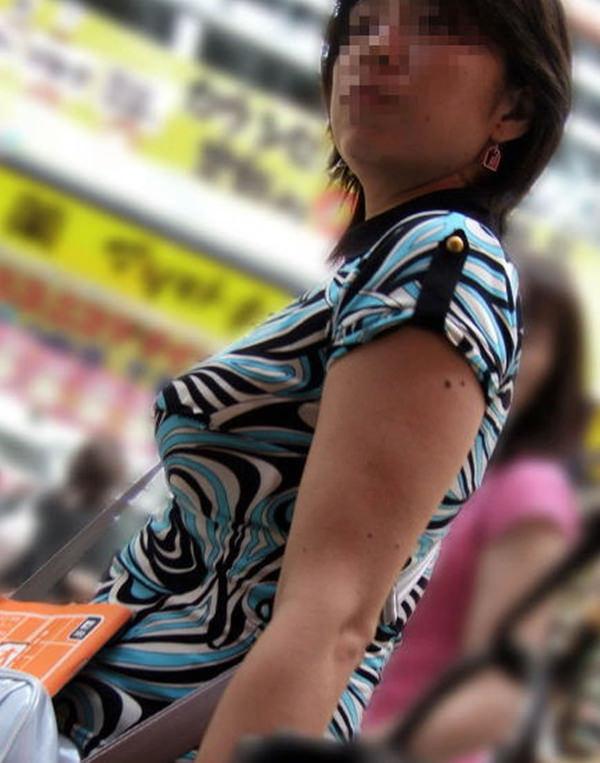 熟女の着衣巨乳 7