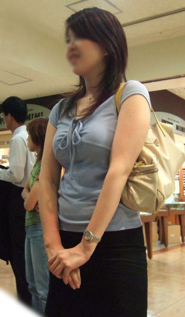 熟女の着衣巨乳 32