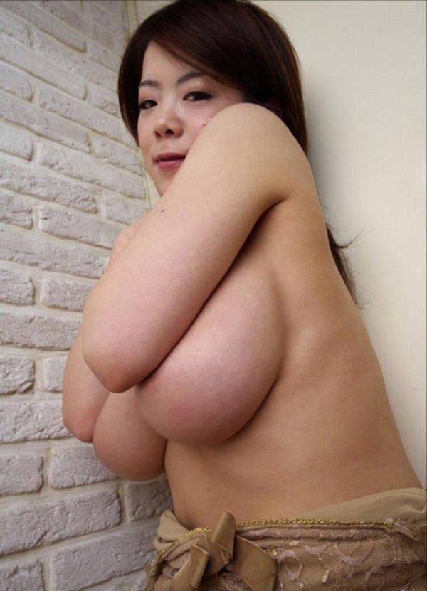 熟女の横乳 12