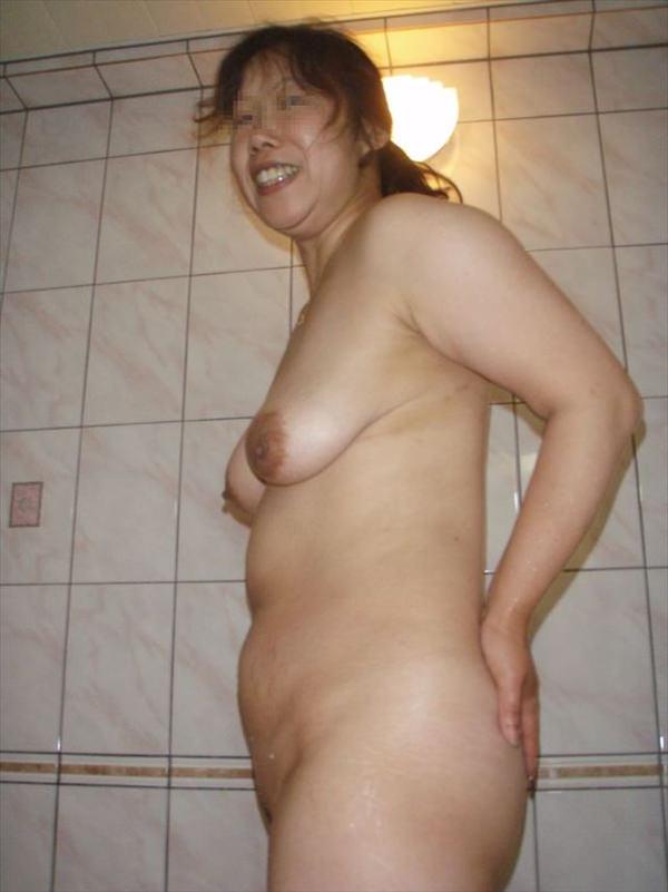 熟女の横乳 13