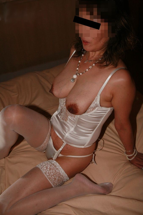 熟女の横乳 17