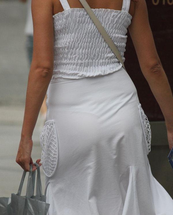 白スカートや白パンツで素人が透けパン 8