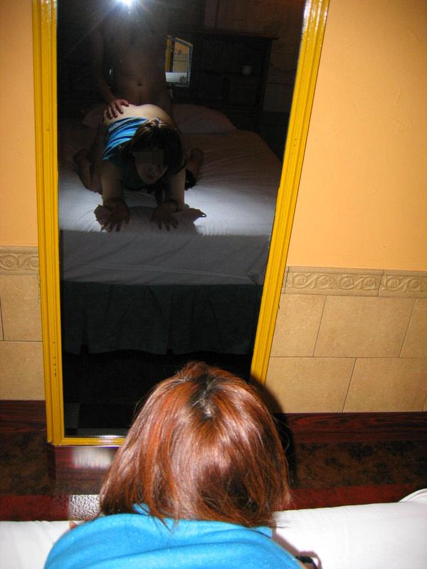 セックスを鏡撮りする素人カップル 9