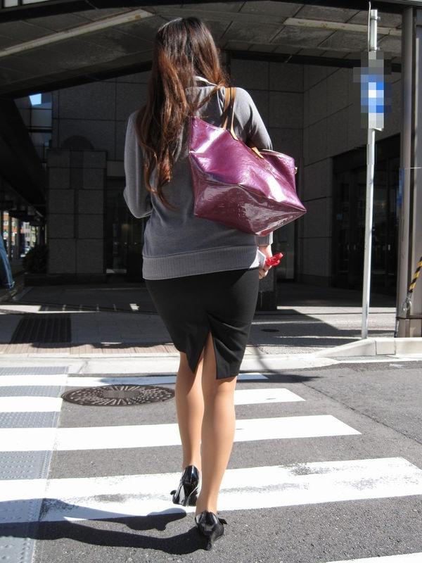 スリットスカートの素人の街撮り 20