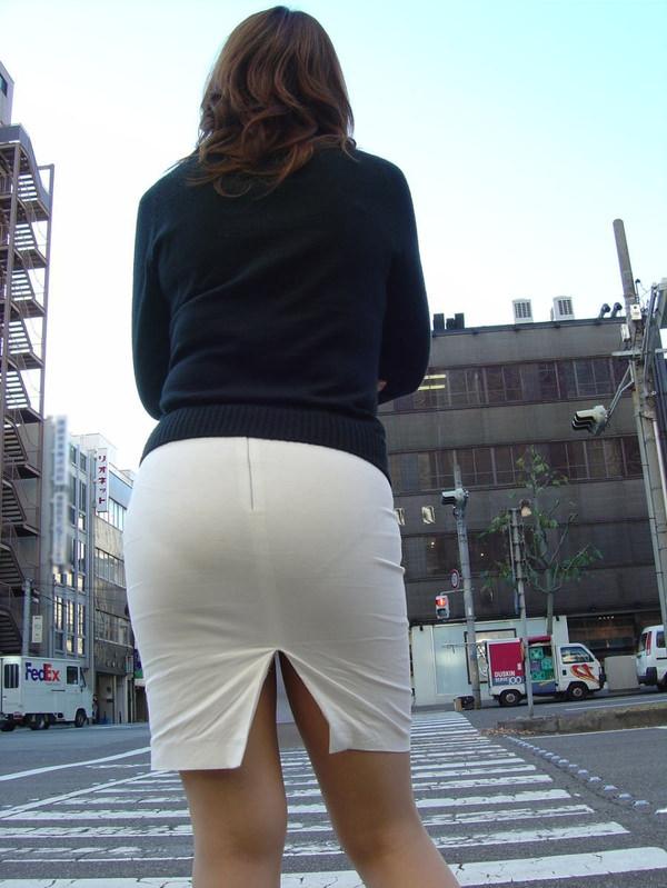 スリットスカートの素人の街撮り 23