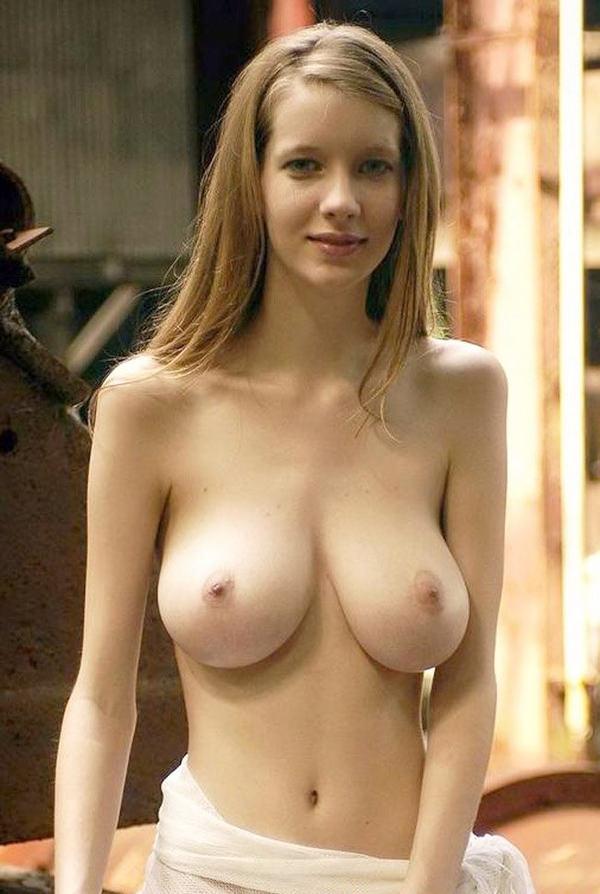 巨乳の若くて可愛い外国人女の子 8