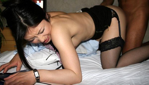ガーターベルトの着衣セックス 11