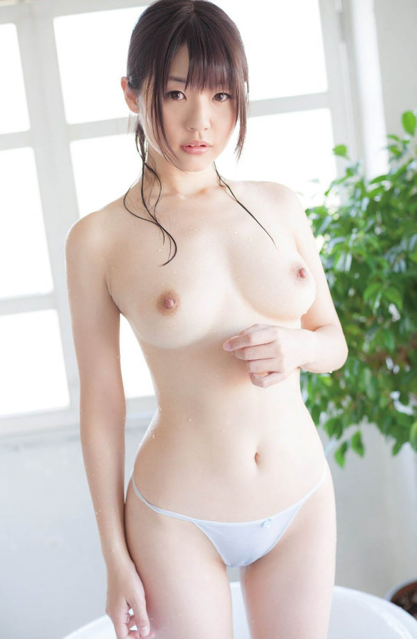 極上の美乳 13