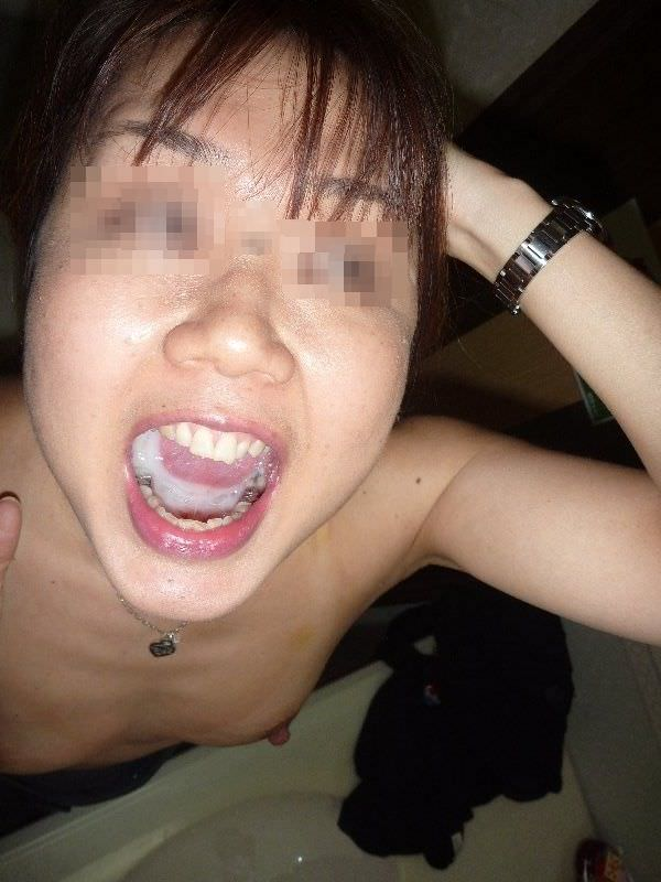 素人の口内射精 18