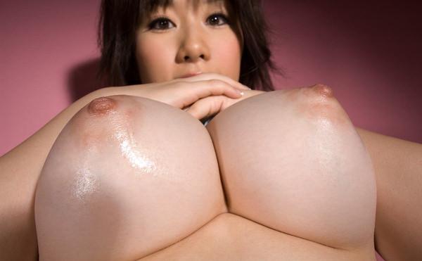 デカ乳輪の美巨乳 10