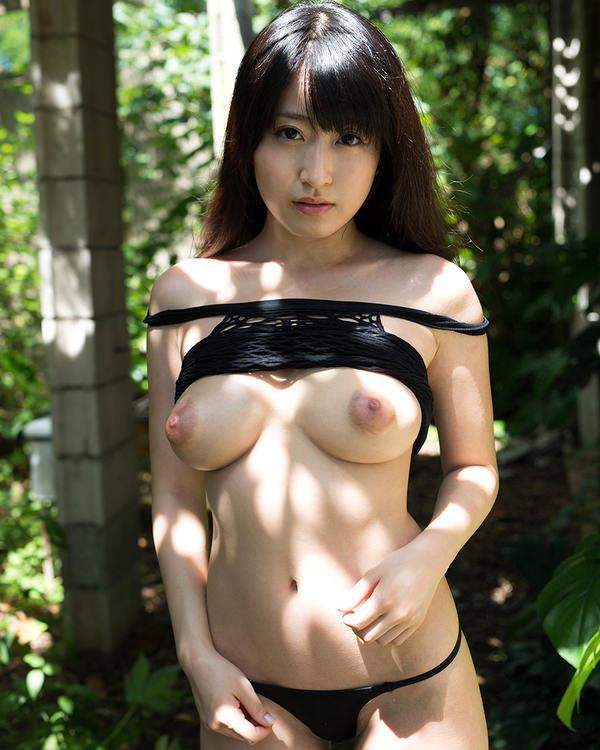 デカ乳輪の美巨乳 13