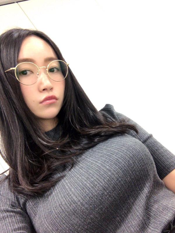 アイドル・グラドルのニット着衣巨乳 18