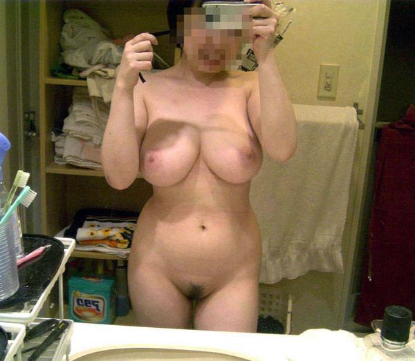 素人の風呂上がりの美乳自撮り 12