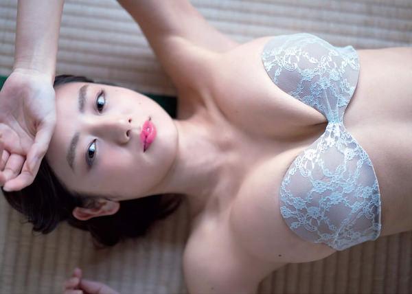 片山萌美 10