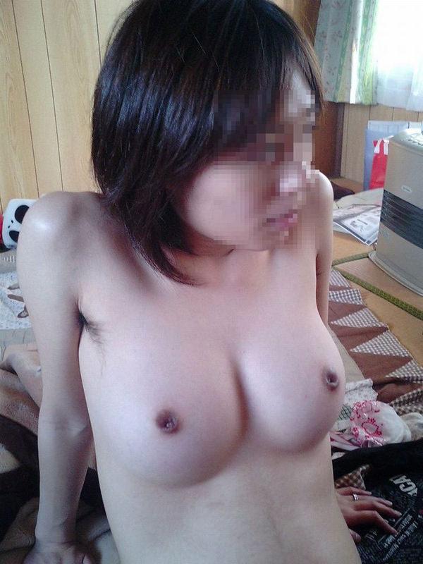巨乳素人の陥没乳首 13