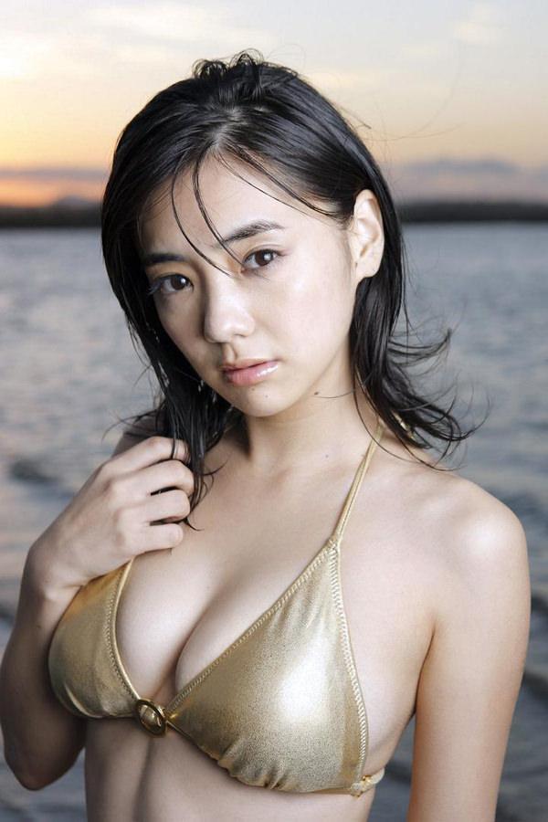 倉科カナの水着姿 14