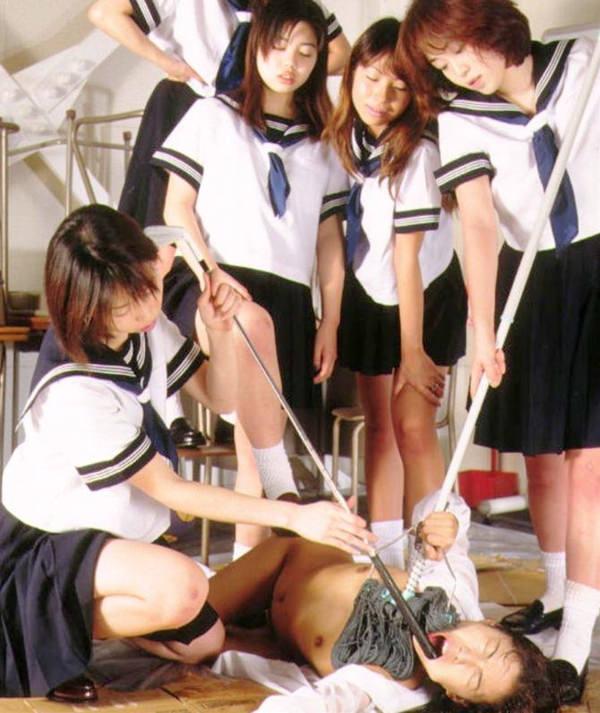 女の子同士の性的や陰湿なイジメ 3