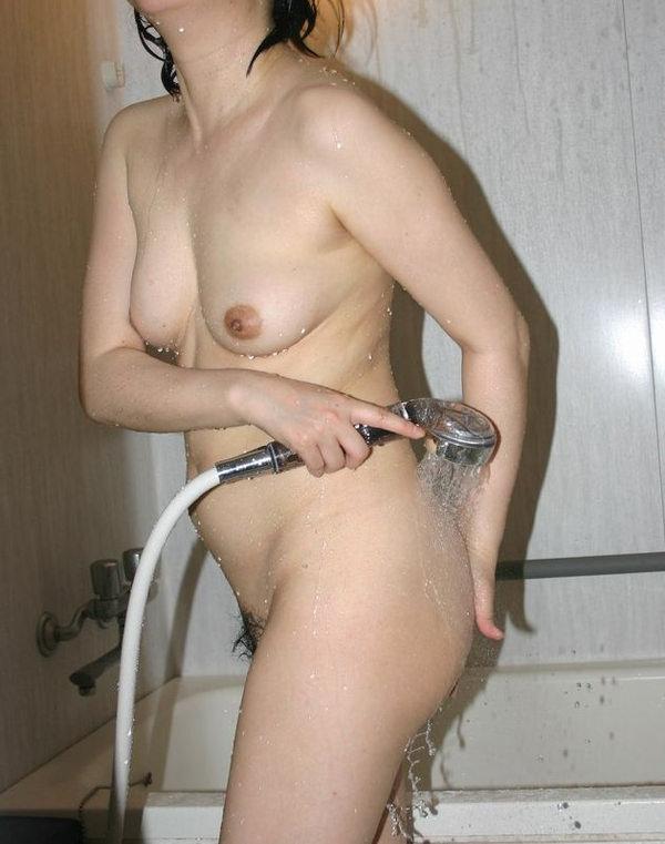 シャワーを浴びてる素人 30