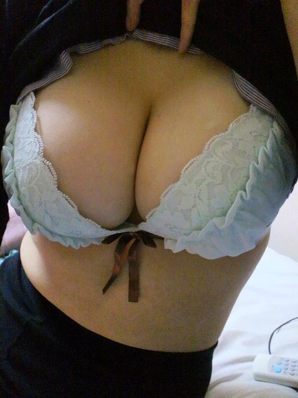 素人の超乳 24