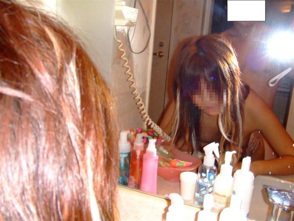 素人の立ちバックの鏡撮り 5
