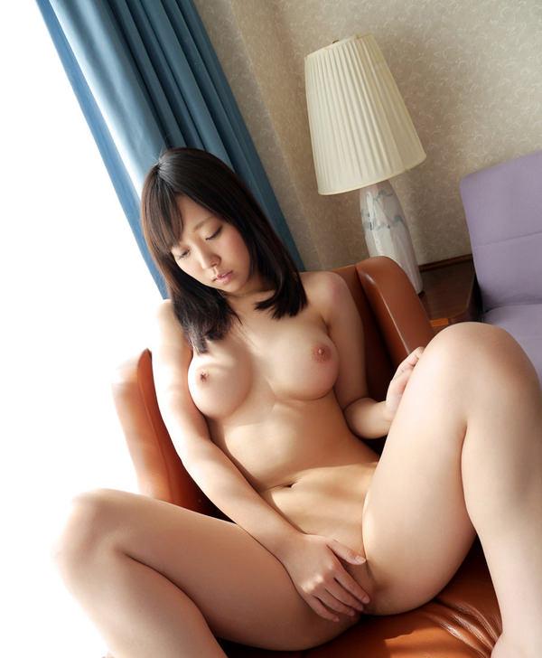 全裸美女の手パンツ 12